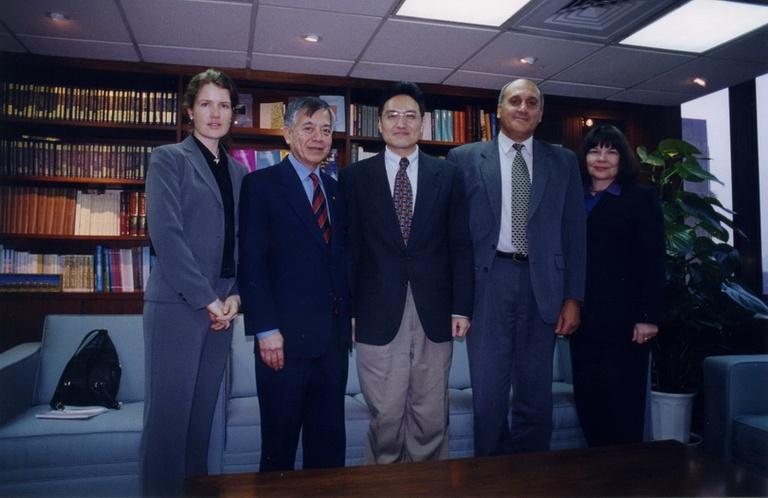 20011130澳洲新南威爾斯大學校長John Yu醫師來訪