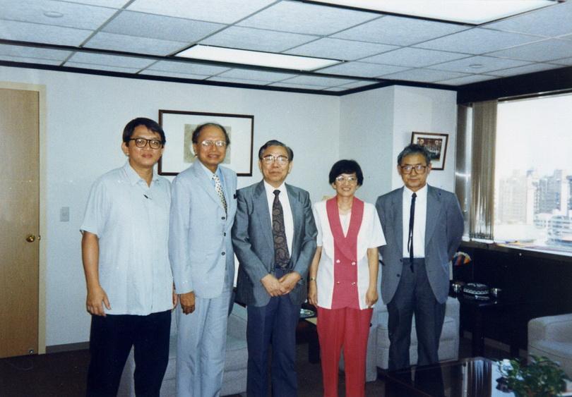 19940721中央研究院近史所張存武教授與研究團隊來訪