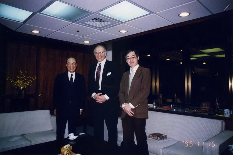 19951115雪城大學管理學院院長Dr. Geroge Burman來訪